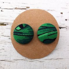 upcycled fabric button earrings green grass