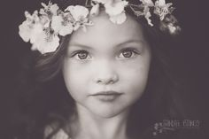 Children Photography Ideas Flower Crowns Ideas For 2019 Children Photography, Family Photography, Portrait Photography, Photography Ideas, Toddler Photography Poses, Kid Poses, Sibling Poses, Beautiful Children, Photo Sessions