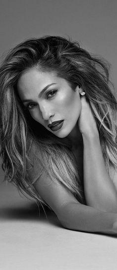 Jennifer Lopez ... http://lookandlovewithlolo.blogspot.ca/search/label/BEAUTY