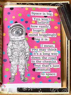 Astronautin kaveriksi vaaleanpunainen pilkullinen avaruus…