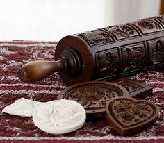 Rodillo y moldes de madera para realizar las antiguas galletas alemanas Springerle