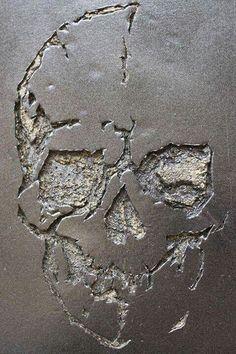 skull carved out of concrete, graffiti art, street art. Skull Decor, Skull Art, Symbole Tattoo, Tattoo Motive, Tattoo Symbols, Human Skull, Skull Design, Skull And Bones, Macabre