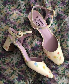 Pretty Shoes, Cute Shoes, Me Too Shoes, High Heels, Shoes Heels, Funky Shoes, Aesthetic Shoes, Dream Shoes, Sock Shoes