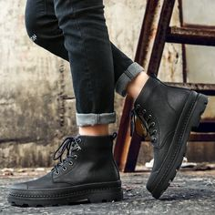 Merkmak Men Boots With Fur Business Casual Boots For Men 2018 Winter Autumn Black Fashion Basic Warm Boots Ankle Lace Up Shoes Outfit Accessories From Touchy Style. Brown Chukka Boots, Clarks Boots, Business Casual Men, Business Fashion, Men Casual, Business Shoes, Business Attire, Mens Biker Boots, Men Boots