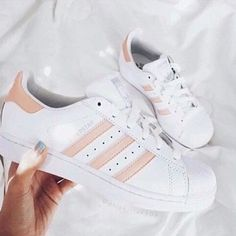 Awesome Gift Ideas For Teens (That They'll Actually Love) Adidas are super popular sneakers this year.Adidas are super popular sneakers this year. Cute Shoes, Me Too Shoes, Women's Shoes, Shoe Boots, Shoes Sneakers, White Sneakers, Roshe Sneakers, Cute Addidas Shoes, Shoes 2017