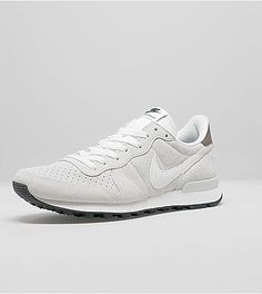 Nike Internationalist Suede - find out more on our site. Find the freshest  in trainers and clothing online now.