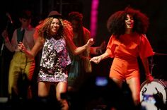 Beyonce performs with Solange Knowles at Coachella 2014