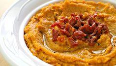 Hoy te traemos 5 ricas alternativas para preparar el tradicional dip de garbanzos al estilo árabe.