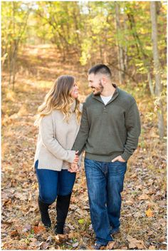 Cozy Fall Engagement Session on Lake Holiday // Cross Junction, Virginia // Hope Taylor Photography Fall Portraits, Couple Portraits, Fall Engagement, Engagement Photos, Engagement Ideas, Engagement Session, Autumn Photography, Couple Photography, Photography Ideas