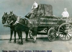 John Knight & Sons Soap Works - horse drawn cart in Silvertown, east of London. (photo: Newham Heritage & Archives - Godfrey collection) — in Silvertown, Newham, United Kingdom.