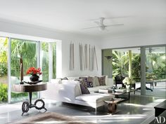 Judy Blume's Tropical Indoor-Outdoor Residence in Florida Photos   Architectural Digest