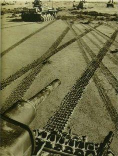 Panzer III                                                     Desert                                                           1942
