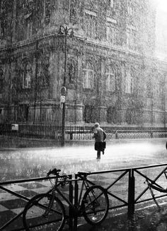 Very Rainy Day in Paris! Best trip to Paris it rained like this and was still fantastic! Quite Romantic Walking In The Rain, Singing In The Rain, Rainy Night, Rainy Days, I Love Rain, Ville France, Sound Of Rain, France Photos, Street Photography
