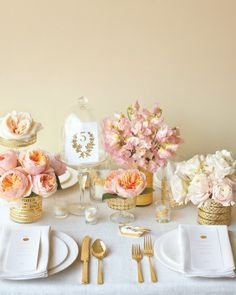 Touches of gold & pink for the table setting.