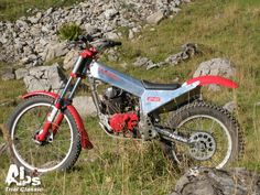 Vintage Motocross, Vintage Motorcycles, Cars And Motorcycles, Trial Bike, Trail Riding, Street Bikes, Alps, Trials, Honda