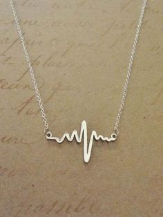 Chicnico Cute Heartbeat Necklace
