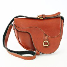 AHHHHH! Coolest purse EVA! Need this.  Leather Saddle Cross Body Purse, $162, now featured on Fab.