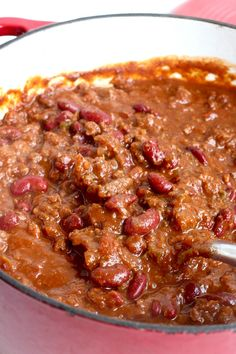 This is the Best Darn Chili you will ever eat. Hearty and seasoned to perfection with some seriously delicious ingredients, it's sure to exceed all your chili expectations. Bean Recipes, Chili Recipes, Crockpot Recipes, Cooking Recipes, Sloppy Joe Casserole, Best Chili Recipe, Chili Cook Off, Stuffed Jalapeno Peppers, Cheap Meals