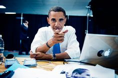 Barack Obama and his Mac with Pacman sticker