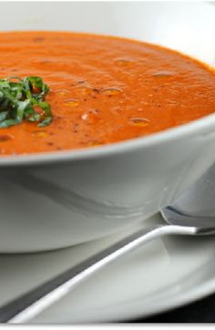 Low FODMAP and Gluten Free Recipe - Tomato and red pepper soup - (Update) - http://www.ibssano.com/low_fodmap_recipes_tomato_red_pepper_soup.html
