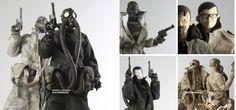 WO3A World War Robot figures