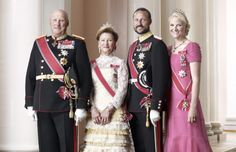 The Norwegian Royal Family, from left to to right: King Harald V, Queen Sonja, Crown Prince Haakon and Crown Princess Mette-Marit.    Source: kongehuset.no - English