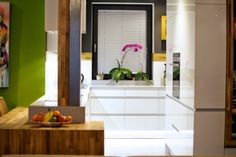 Pasívny dom pre mladú rodinu – rozhovor s architektom L Shaped House Plans, Bungalow Renovation, Green Architecture, Windows And Doors, Home And Garden, Room Decor, Exterior, House Design, How To Plan