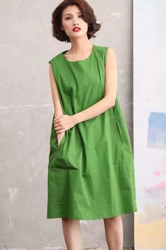 Green fashion outfit sleeveless loose long dress