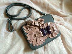 Gentuta / plic din piele ,Valentino style floral bag Valentino, Style Floral, Floral Bags