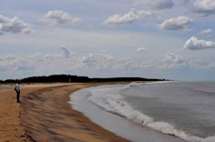 #KaraikalBeach is one of the most famous beaches for its serenity as well as scenic beauty located in Pondicherry. Karaikal beach offers a picturesque view of the sunrise and thus is an ideal place for sunrise watchers. http://beach-tours.tourtravelworld.com/tropical-beaches/karaikal-beach.htm