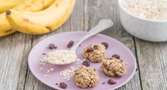 Rezept für vegane Haferflockenkekse ohne Zucker, Butter, Ei und Mehl. So einfach kann man aus nur 2 Zutaten gesunde Kekse backen!