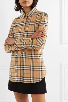Burberry Shirt, Camisa Burberry, Burberry Outfit, Checked Trousers Outfit, Checkered Trousers, Miu Miu, Valentino, Shirt Skirt, Models