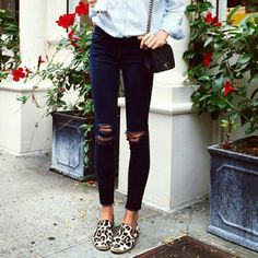 Leopard loafers/flat Brand new leopard flat. They're adorable! It looks very chic on skinny jeans. Model is wearing silimar flat as mine.. no trade Shoes Flats & Loafers