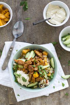 Shoarma verwerkt in een makkelijke maaltijd die ook nog eens gezond is. Shoarma met rijst en zoete aardappel lekker en is ook nog een gezond!
