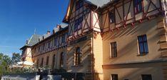 V Tatranskej Lomnici v blízkosti železničnej stanice sa vypína krásny štvorhviezdičkový hotel Lomnica. Kto by nechcel na takomto mieste stráviť nejaký čas?