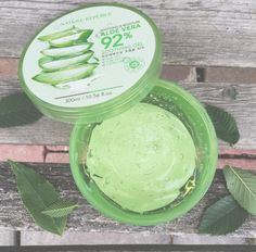 Natural Republic Soothing & Moisture Aloe Vera Soothing Gel 17 Moisturizers That Actually Help Control Oily Skin Skincare For Oily Skin, Mask For Oily Skin, Moisturizer For Oily Skin, Oily Skin Care, Skin Care Tips, Dry Skin, Skin Mask, Skin Care Routine For 20s, Skincare Routine
