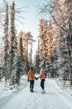 One of the most underrated romantic getaways. Rovaniemi, Finland. Couple Goals, Travel, What to Do, Things to Do, Winter, Santa Claus, Photography, Lapland Winter Couple Pictures, Winter Engagement Pictures, Winter Photos, Winter Pictures, Winter Maternity Photos, Couple Photoshoot Poses, Couple Photography Poses, Winter Photography, Christmas Photography Couples