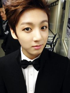 Jungkook's so handsome in that tux *o*