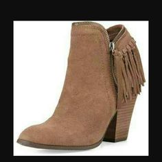 """Dolce Vita Hiro brown fringe boots sz 9.5 NWOB Brown suede  Fringe back, side zip Heel - 3"""" Dolce Vita Shoes Ankle Boots & Booties"""
