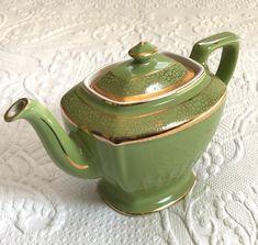 Chocolate Pots, Chocolate Coffee, Nesting Bowls, Linen Tablecloth, Vintage Pottery, Tea Time, Vintage Items, Tea Cups, Teapots