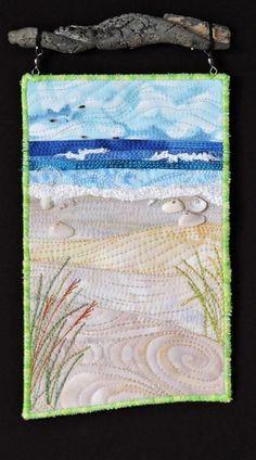 Résultat d'images pour Ocean Landscape Quilt Patterns Ocean Quilt, Beach Quilt, Quilting Projects, Quilting Designs, Art Quilting, Quilting Ideas, Small Quilt Projects, Quilt Art, Art Projects