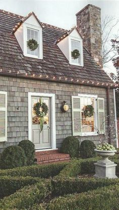 Winter cottage exterior with major curb appeal. Cozy Cottage, Cottage Living, Cottage Homes, Cottage Style, Colonial Cottage, Cape Cod Cottage, Maine Cottage, Home Design, Deco Champetre