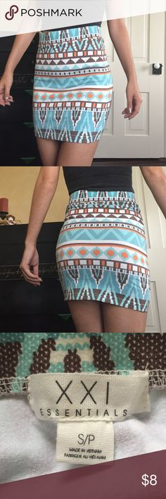 Bodycon Skirt Super cute Aztec Bodycon skirt from Forever 21! Comfortable material but still thick so it's not see through. Forever 21 Skirts Mini
