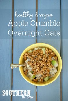 Easy Vegan Apple Crumble Overnight Oats Recipe – this make ahead overnight oatmeal recipe is the perfect meal prep recipe and makes a healthy, gluten free and seriously delicious breakfast! Healthy Apple Crumble, Healthy Oatmeal Recipes, Oats Recipes, Healthy Dessert Recipes, Clean Eating Recipes, Healthy Breakfasts, Breakfast Recipes, Vegan Recipes, Desserts