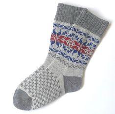 Knitting Socks, Knit Socks, Womens Wool Socks, Scandinavian Pattern, Mitten Gloves, Womens Scarves, Grey, Ship, Patterns