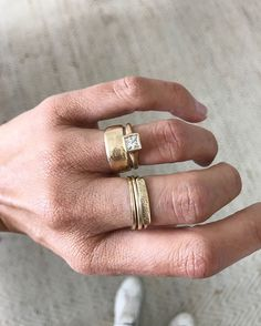 the Jane Pope cigar band: it works with everything ? Thick Wedding Bands, Wedding Bands For Her, Diamond Wedding Rings, Male Wedding Rings, Wedding Band Sets, Rose Gold Morganite Ring, Cigar Band, Tattoo Man, Beard Tattoo