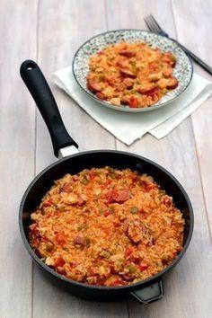 The jambalaya is a traditional dish of Louisiana (USA) based on rice, leg … - Quick and Easy Recipes Meat Recipes, Crockpot Recipes, Chicken Recipes, Gumbo Recipes, Chorizo, Steak Fajitas, Slow Cooker, Healthy Chicken Dinner, Paella