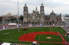 Centro Histórico el zócalo de la ciudad de México convertido en diamante de baseball Cristobal Robles  Tour By Mexico - Google+