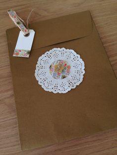 Bolsa kraft decorada con blonda y washi tape