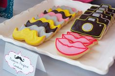 Dream come true. Lips, cameras and mustaches in cookie form. I have just entered Nirvana. Haha.